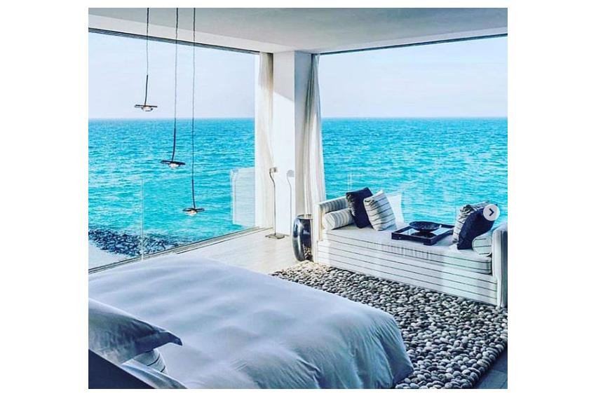 sea side room